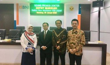 Lulus Cumlaude, Ketua Program Studi Akuntansi Syariah STEI SEBI Raih Gelar Doktor Dengan IPK 3,9