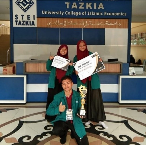 Juara 2 lomba Paper Challenge- Youth Millenials Challenge 2019 STEI TAZKIA jajang , Cindy permata sari, Syifa Kharisma Dewi (2018)